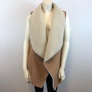 Soft Joie Faux shearling vest  M